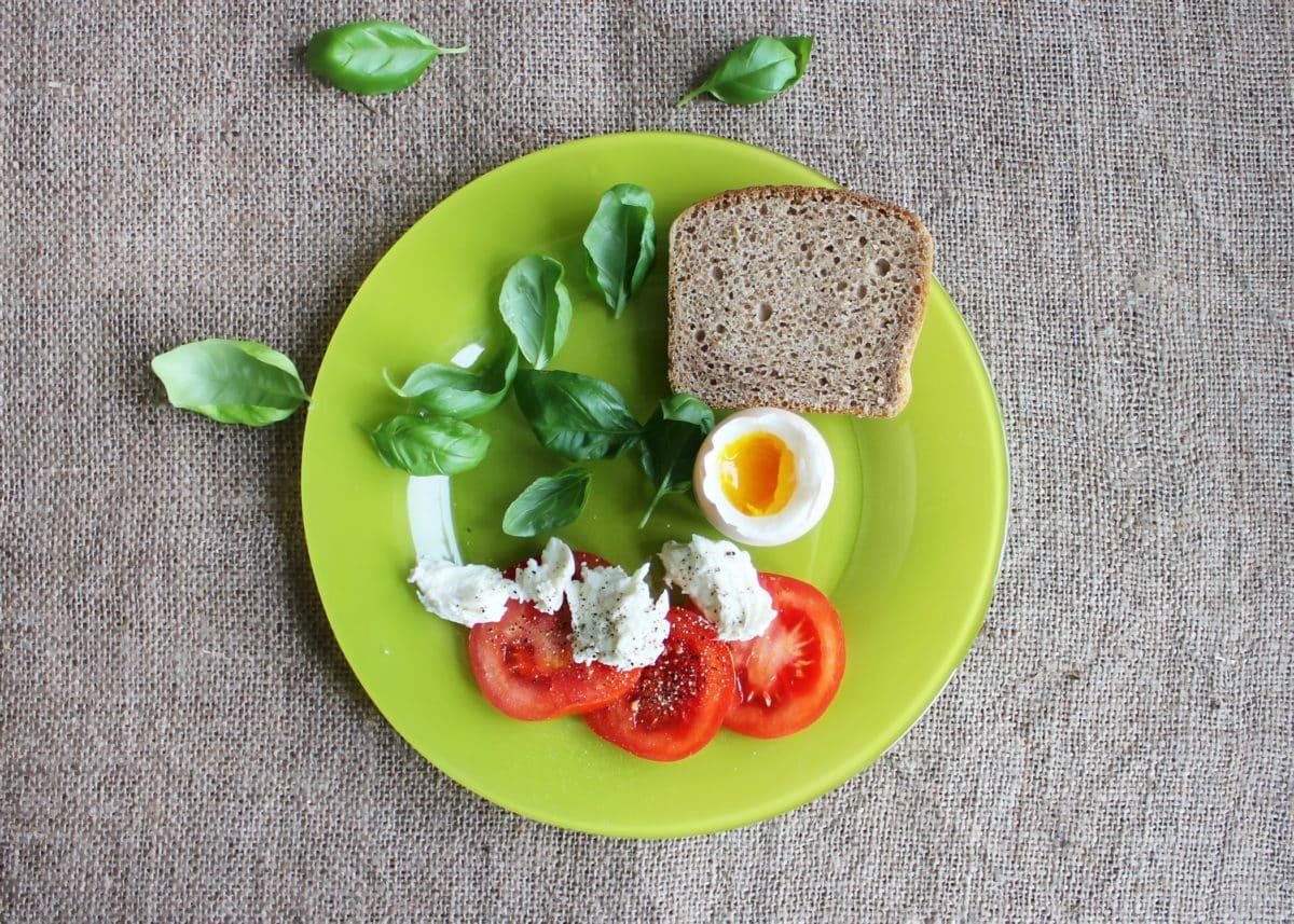 tomatoes 447170 1200x857 - Dieta typowa